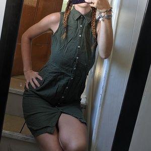 Dresses & Skirts - Army Green Sleeveless Button Up Slim Midi Dress